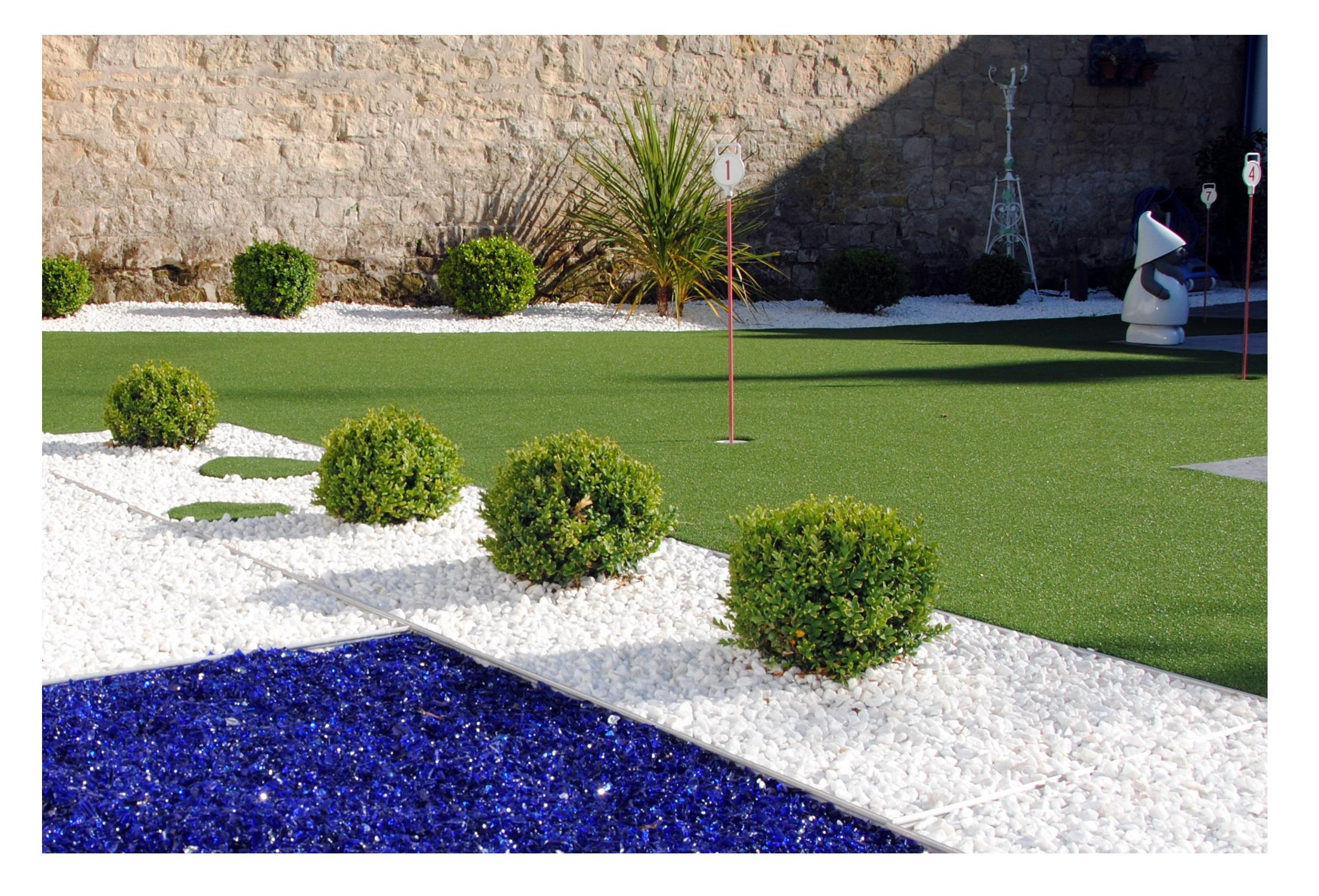 Exelgreen jardin et plage de piscine dans le calvados for Piscine dans jardin